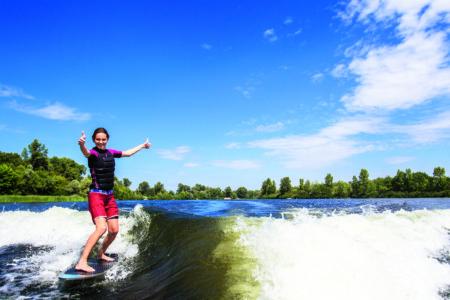 Wake surf
